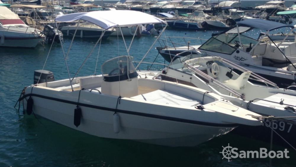 Rental Motorboat in Saint-Raphaël - Rio 660