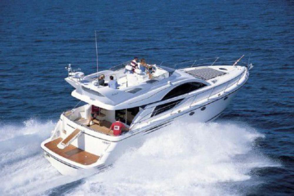 Rental Motorboat in  - Fairline Phantom 50