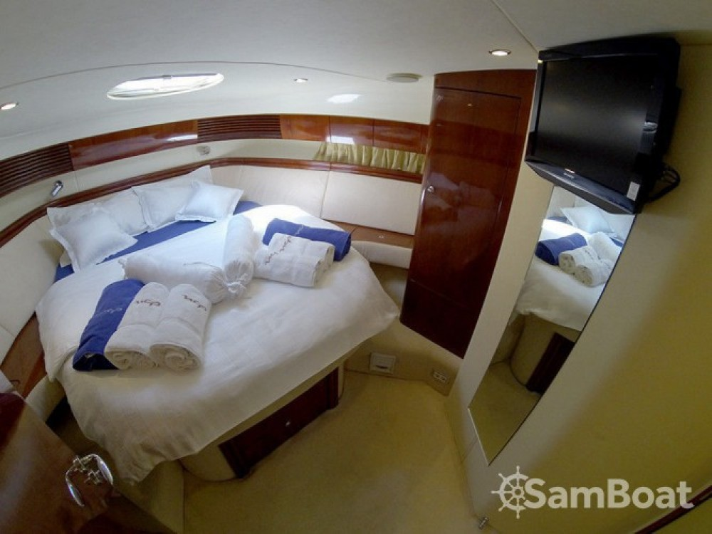 Rental yacht  - Fairline Phantom 50 on SamBoat