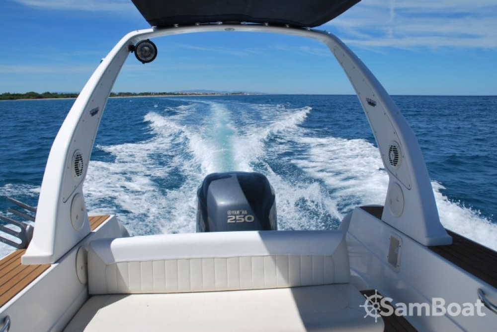 RIB for rent Saint-Cyprien at the best price