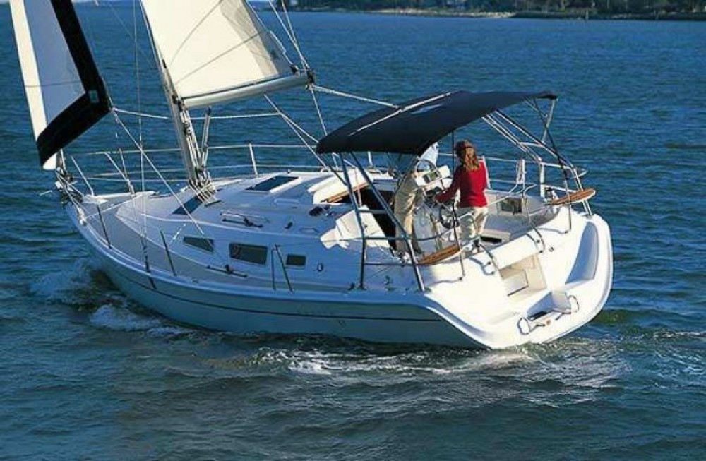 Hunter Hunter 33 between personal and professional La Rochelle