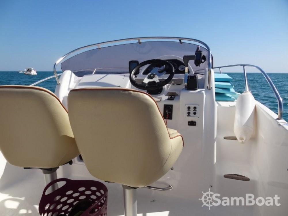 Boat rental B2 Marine Cap Ferret 652 DC in Agde on Samboat