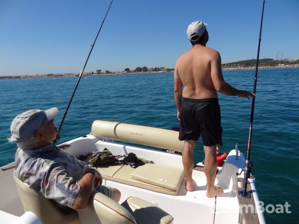 Rental Motorboat in Agde - B2 Marine Cap Ferret 652 DC
