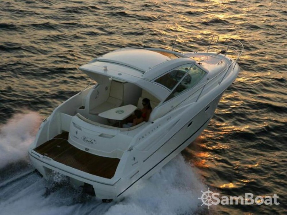 Jeanneau Prestige 30 S between personal and professional