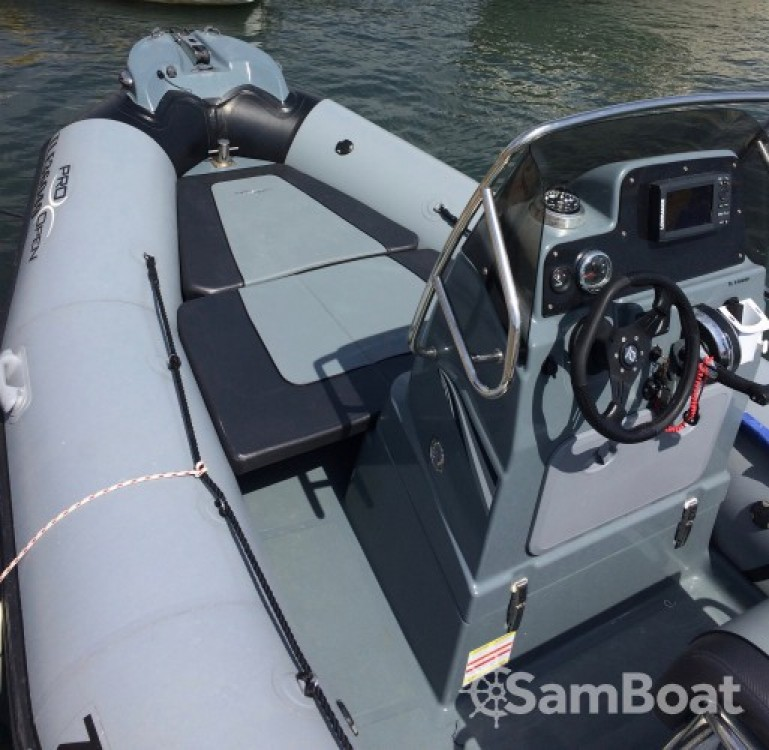 Rental yacht Six-Fours-les-Plages - Zodiac Pro Open 550 on SamBoat