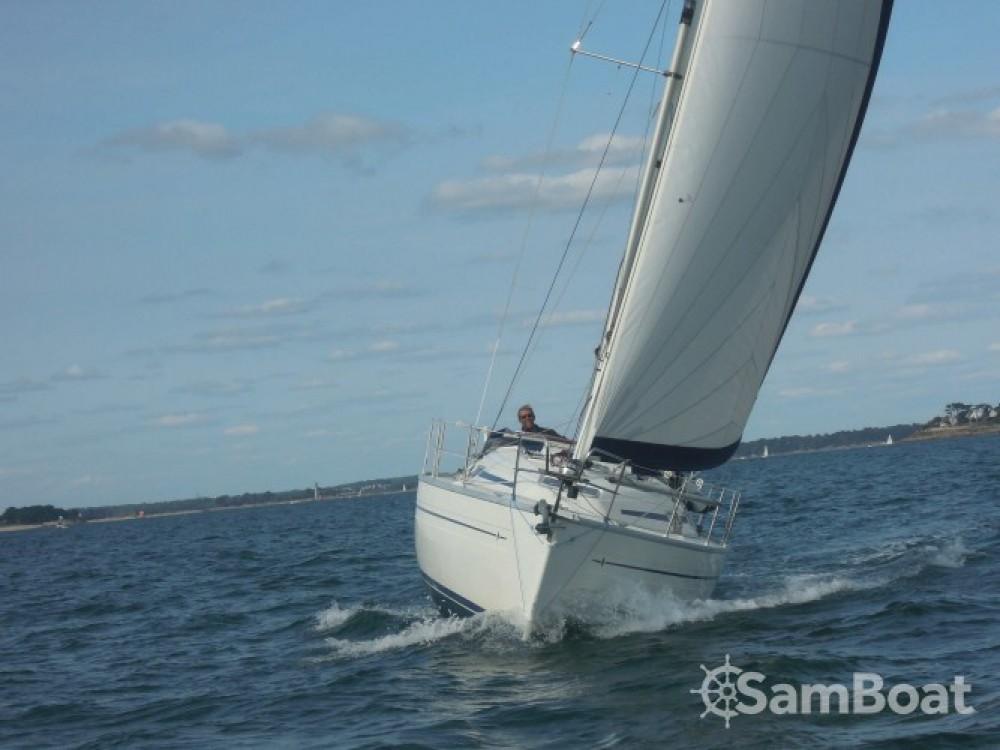 Boat rental La Trinité-sur-Mer cheap Bavaria 32