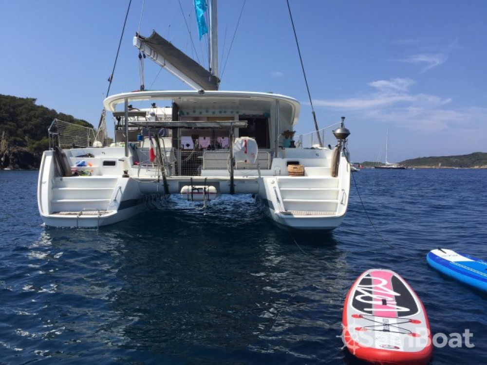 Catamaran for rent Port Pothuau at the best price