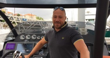 Technohull Attitude 35 between personal and professional Port Olona