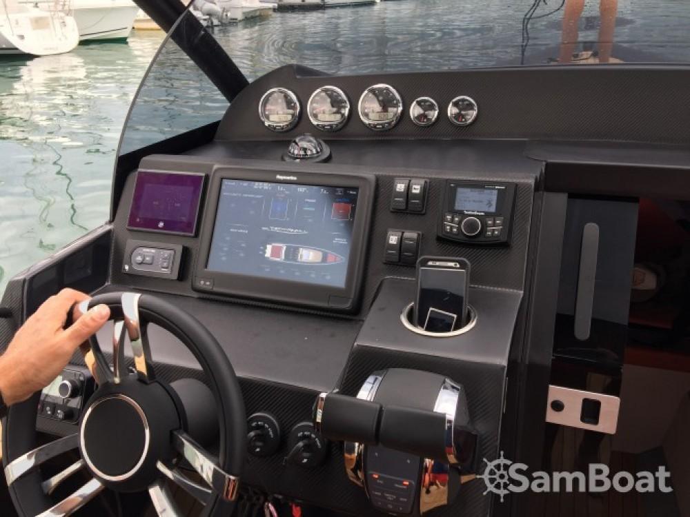 Boat rental Les Sables-d'Olonne cheap Attitude 35
