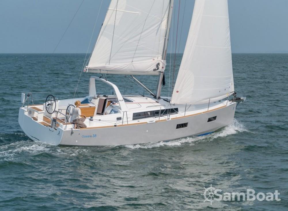 Rental Sailboat in Croatia - Bénéteau Oceanis 38