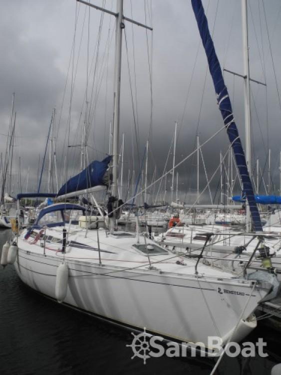 Rent a Bénéteau First 375 Saint-Quay-Portrieux