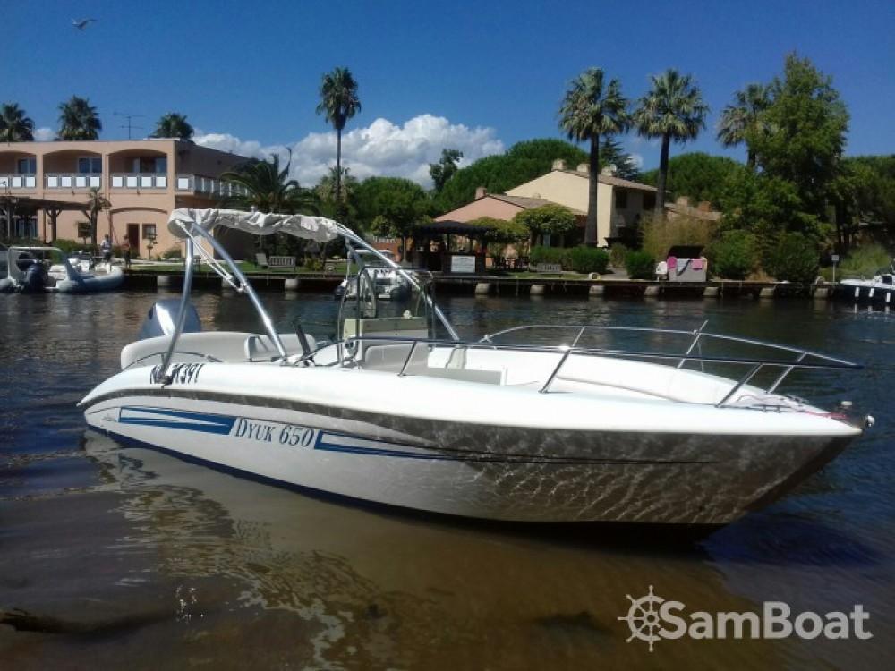 Rental Motorboat Plastimar with a permit