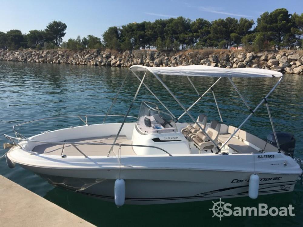 Boat rental Jeanneau Cap Camarat 5.5 Style in Marseille on Samboat