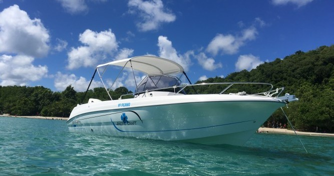 Hire Motorboat with or without skipper Pacific Craft Le Marin