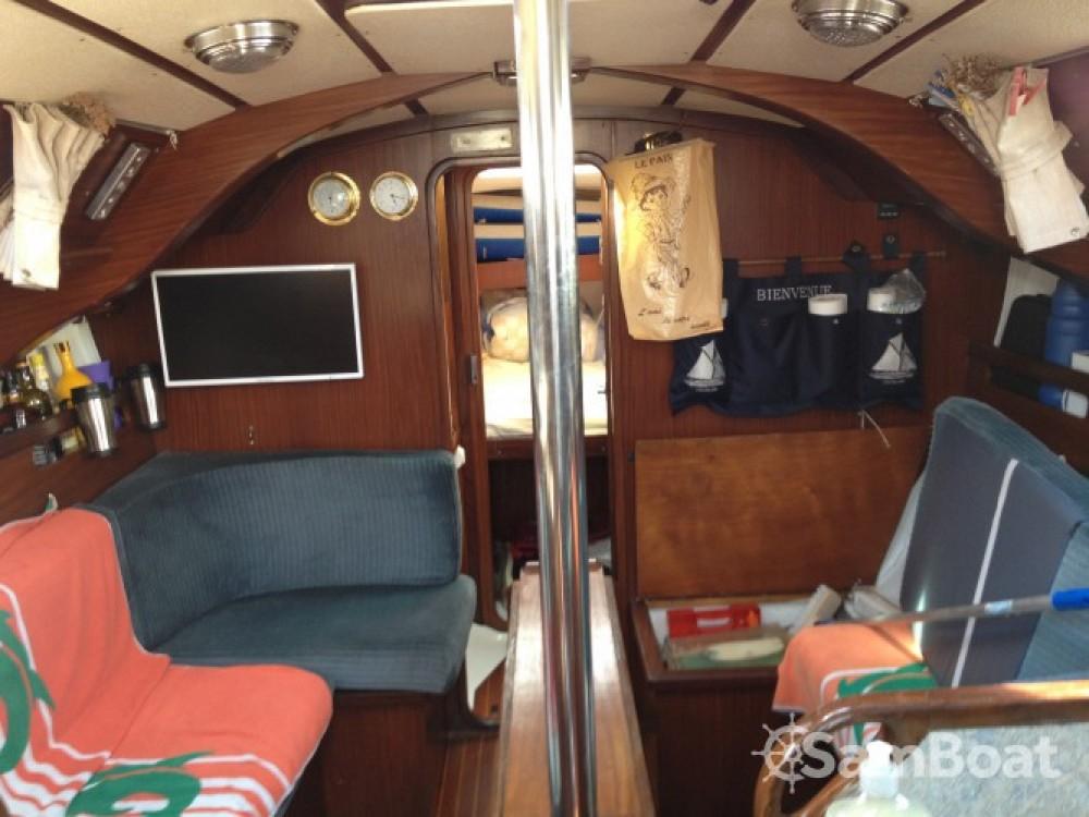 Boat rental Granville cheap Gib Sea 334