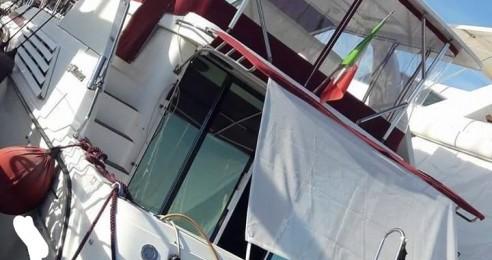 Boat rental Palermo cheap Cruisers Yachts 42.80 flybridge