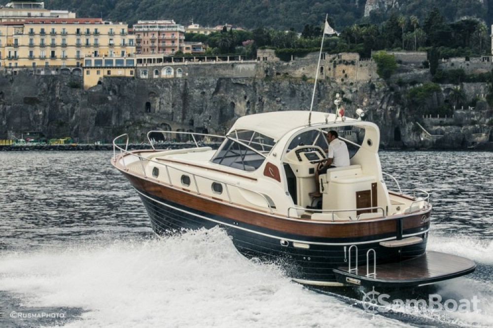 Hire Motor boat with or without skipper Apreamare Sorrento