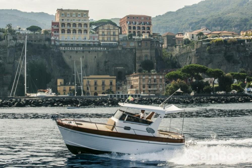 Rent a Maresca Sparviero 700 Positano