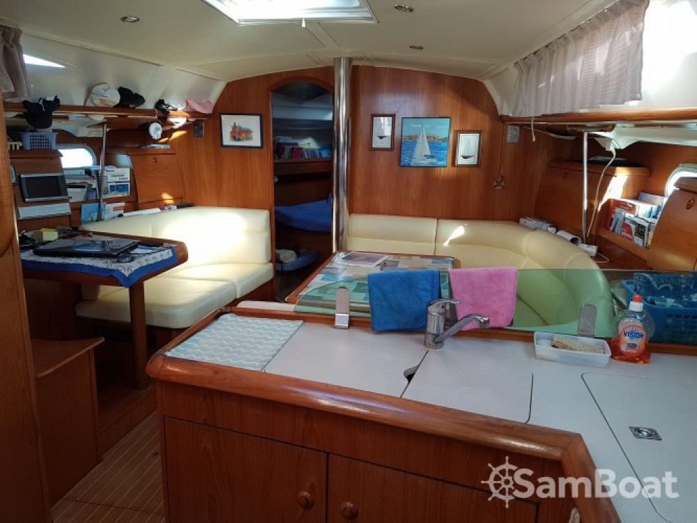 Jeanneau Sun Odyssey 40 between personal and professional Bastia