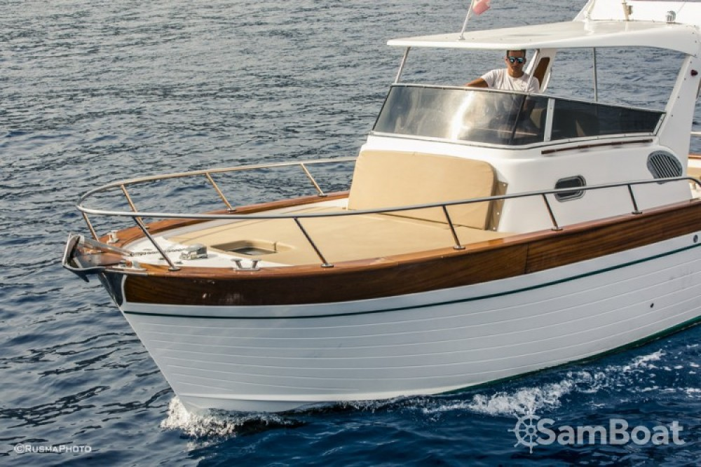 Rental Motorboat in Positano - Maresca Sparviero 700