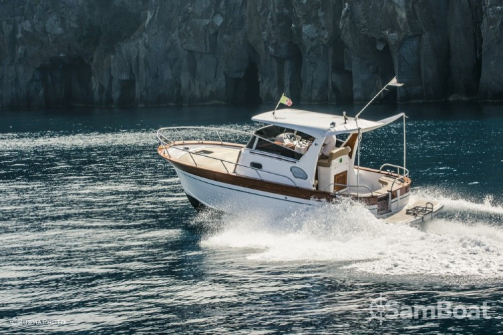 Hire Motorboat with or without skipper Maresca Positano