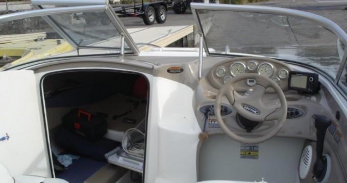 Boat rental Bayliner Bayliner 602 in Sciez on Samboat