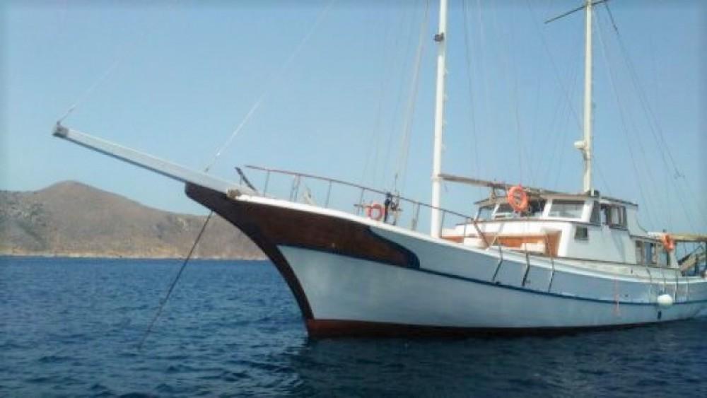 Rental Sailboat Bodrum-Shipyard with a permit