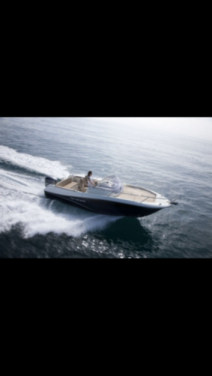 Boat rental Jeanneau Cap Camarat 7.5 WA in Bord de Mer on Samboat