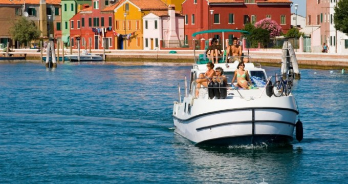 Rental yacht Chioggia - New-Con-Fly Twins on SamBoat