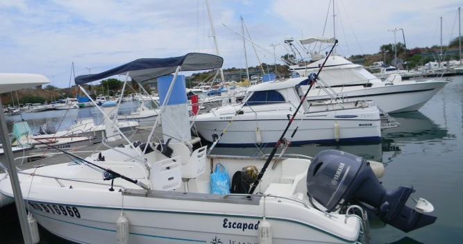 Hire Motorboat with or without skipper Jeanneau Rivière des Galets