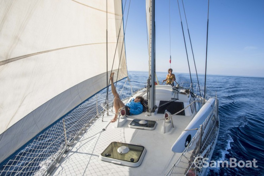Hire Sailboat with or without skipper Kirie Hyères