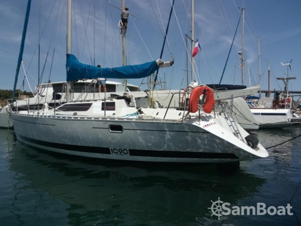 Boat rental Kirie Feeling 1090 in Marseille on Samboat