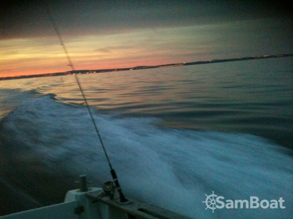 Motor boat for rent Boulogne-sur-Mer at the best price