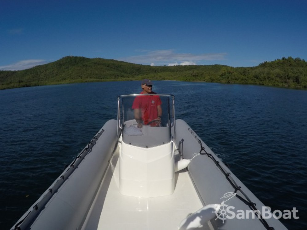 Rental yacht Le Robert - Capelli Tempest 700 on SamBoat