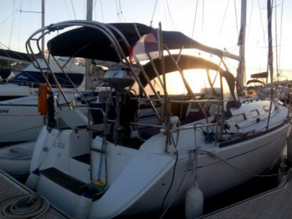Boat rental Dufour Dufour 365 in Capbreton on Samboat