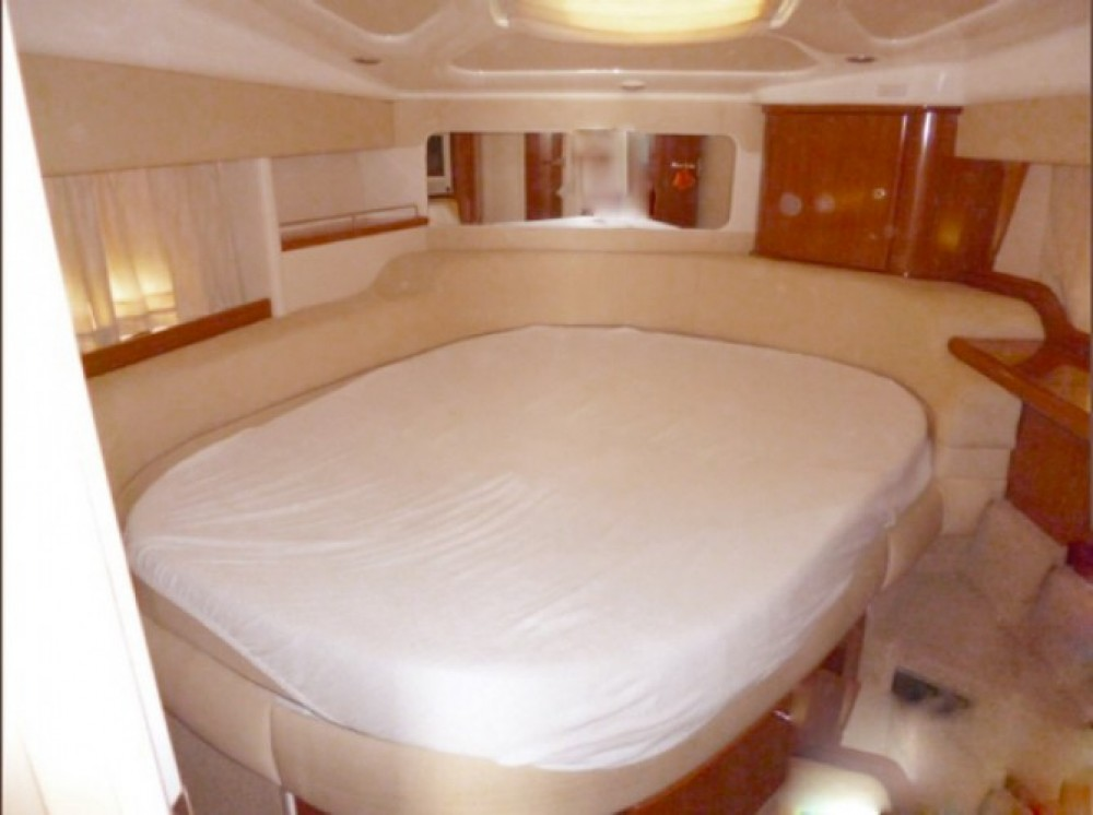 Sealine F 330 FLY between personal and professional Milazzo