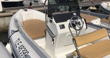Boat rental La Ciotat cheap MV 700