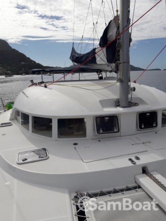 Hire Catamaran with or without skipper Lagoon Terre-de-Haut