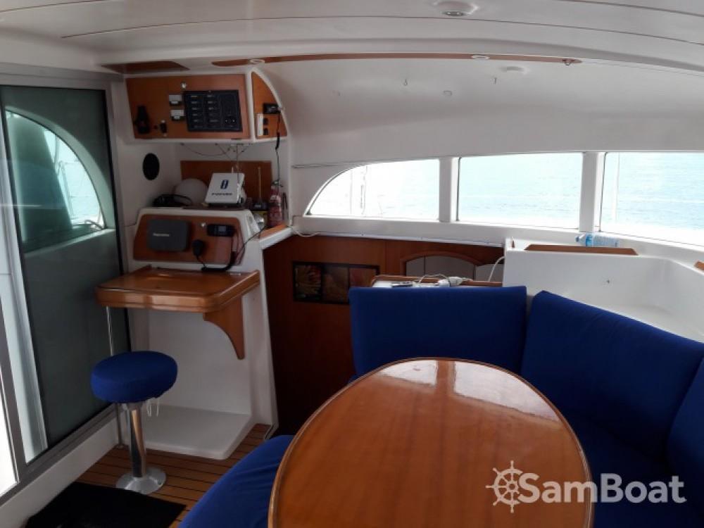 Boat rental Terre-de-Haut cheap Lagoon 380