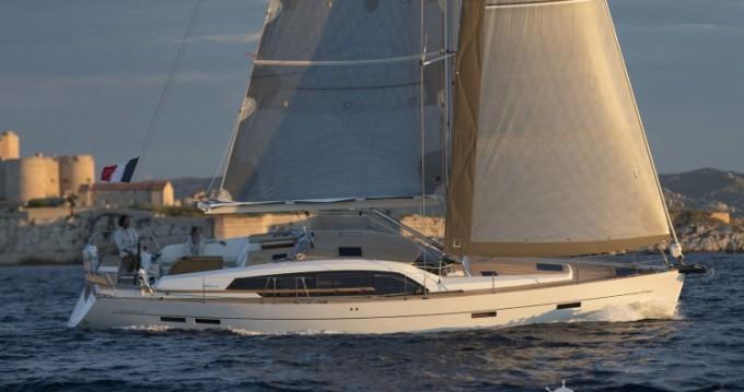 Rental Sailboat in Sicilia - Wauquiez Pilot Saloon 48