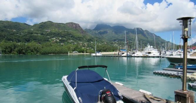 Rental Motorboat in Mahé - Sensation 2400