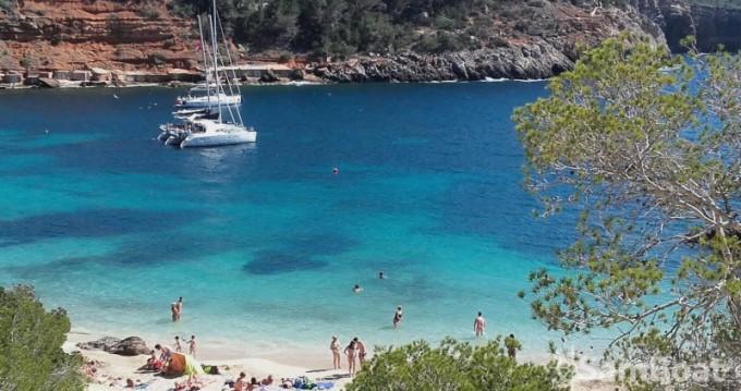 Rental yacht Sant Antoni de Portmany - Lagoon Lagoon 380 S2 on SamBoat