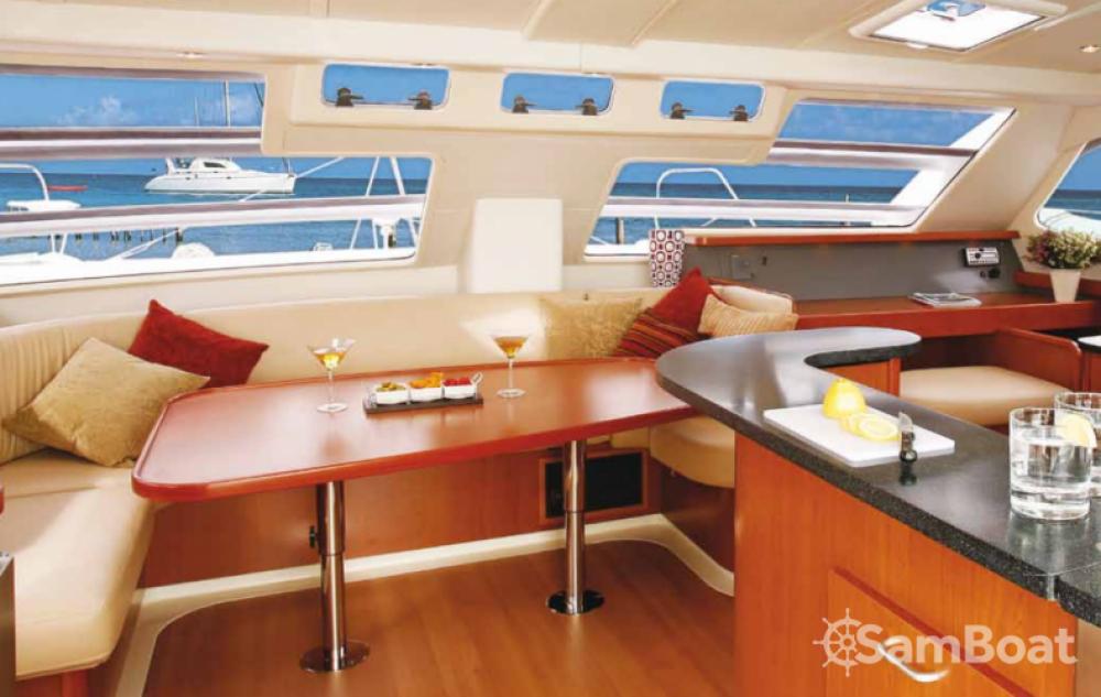 Rental Catamaran in Federal Dependencies - Leopard Leopard 46