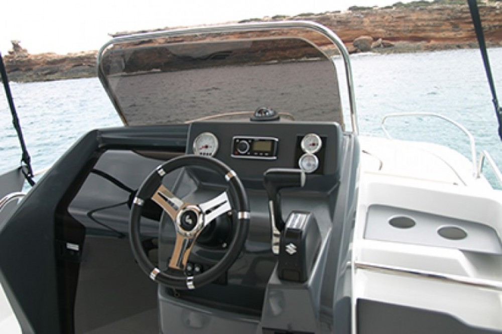 Hire Motorboat with or without skipper Bénéteau Ibiza