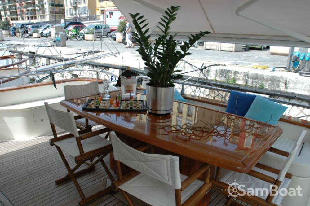 Hire Yacht with or without skipper Astondoa Antibes