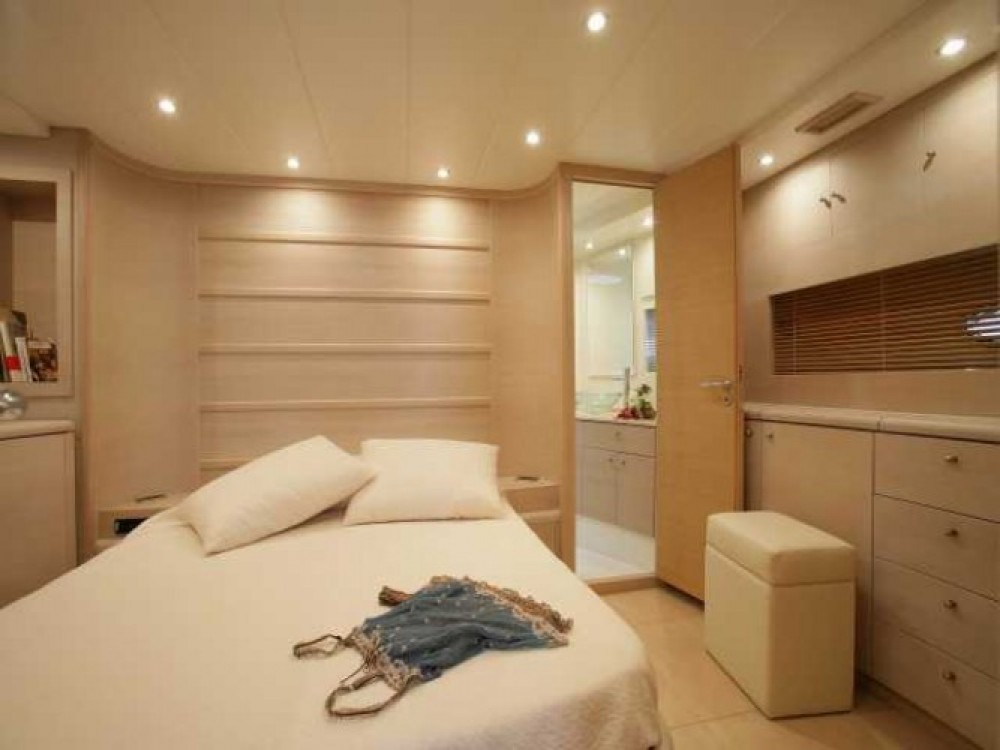 """Rent a Gianetti 20.60 metres (67' 7"""") Cannes"""