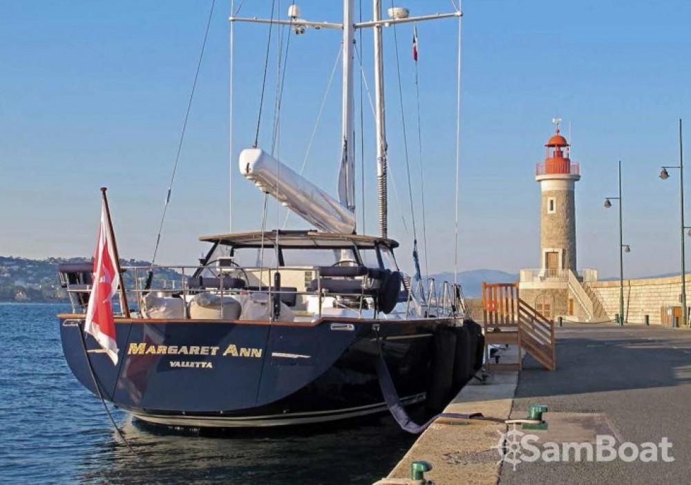 "Rent a Pendennis 29.15 metres (95' 8"") Antibes"