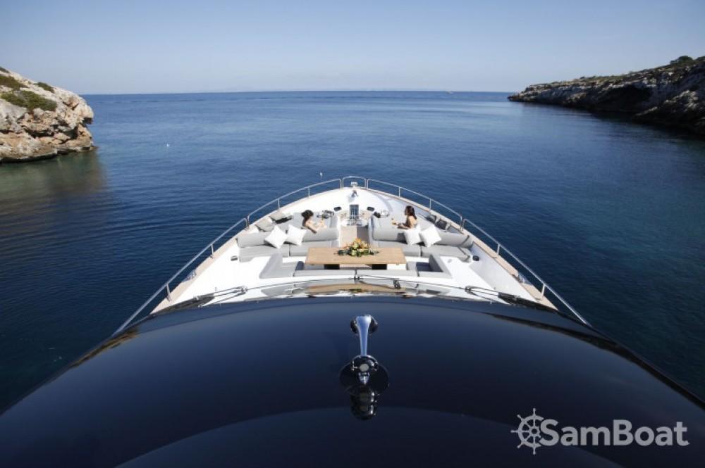 """Rent a Sunseeker 28.15 metres (92' 4"""") Saint-Tropez"""