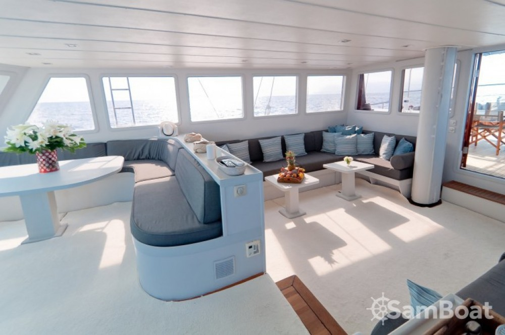 Boat rental Custom 32.00 metres (105') in Cannes on Samboat