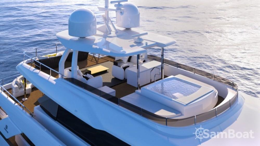 "Boat rental Ferretti 33.00 metres (108' 3"") in Vallauris on Samboat"